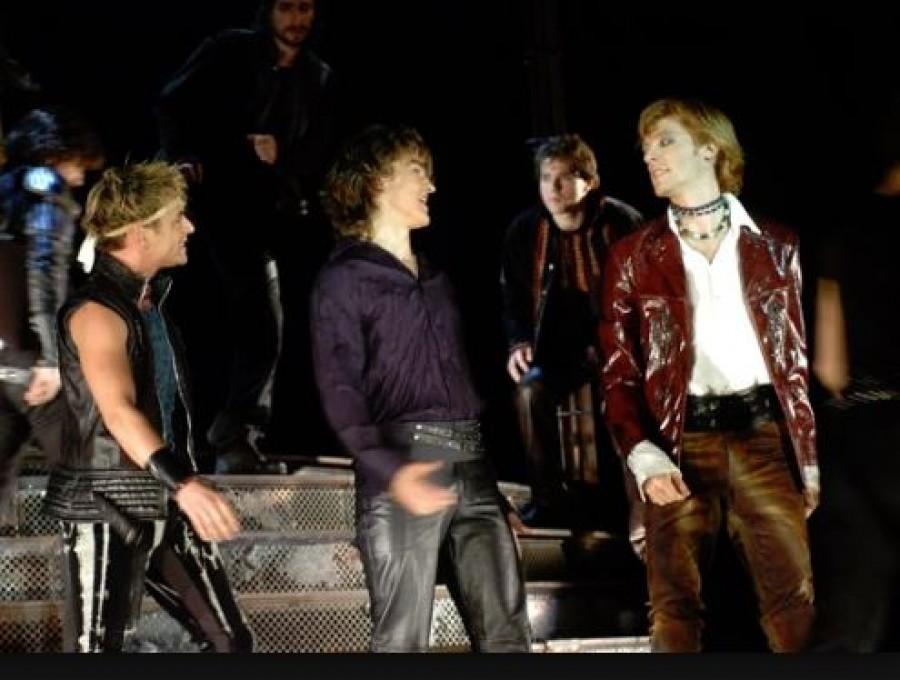 Csúnya balhé a színházban: a színészt lelökte a kollégája a színpadról