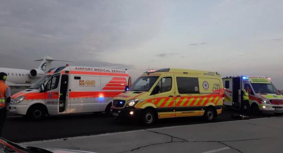 Tragédia: hiába küzdöttek az életéért, elhunyt a repülőn rosszul lett négy és fél éves gyermek