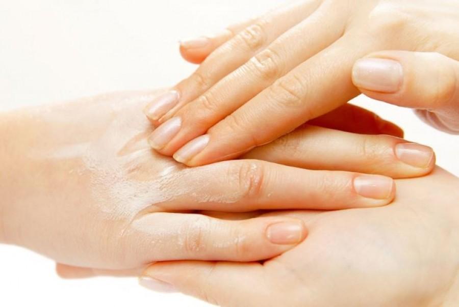 5 dolog, aminek segítségével a kezeid tíz évet fiatalodhatnak