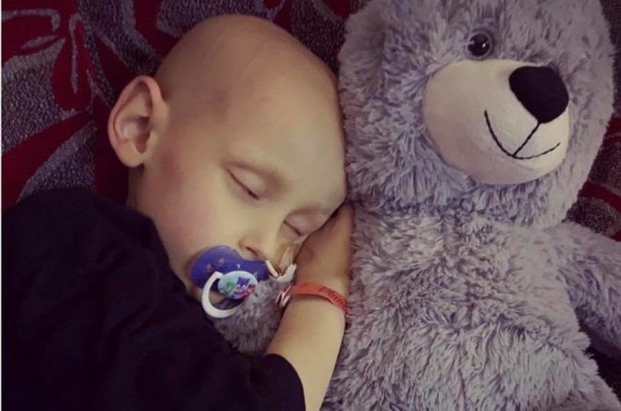 Pár napja elhunyt az 5 éves kisfiú.. Nem volt ereje tovább küzdeni. Utolsó szavai az egész világod megdöbbentették
