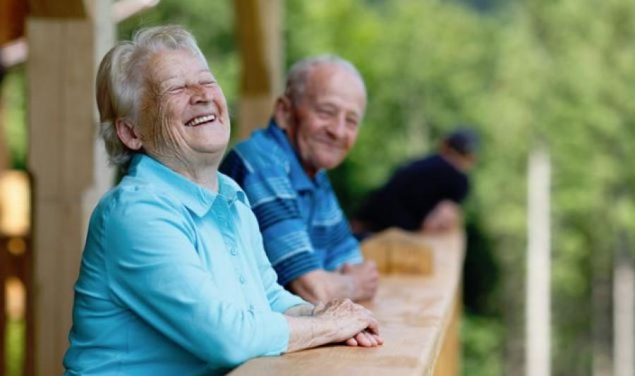 A pszichológusok szerint ez a 6 dolog tart fiatalon, még nyugdíjas korodban is!