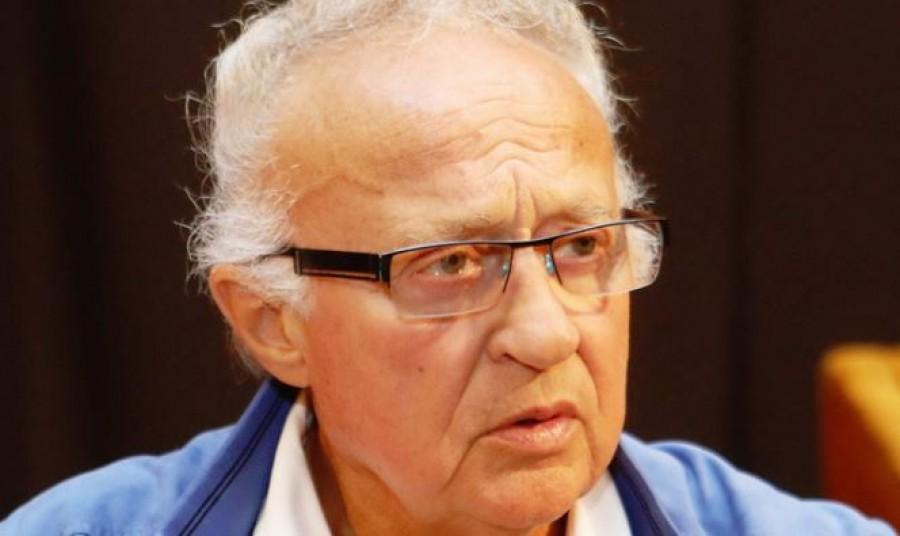 Friss hír: azonnal kórházba kellett vinni a legendás humoristát, Sas Józsefet