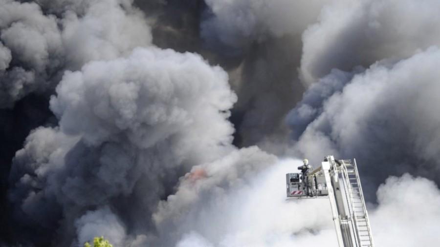 Rendkívüli hír: lángokban áll Gyurcsány irodája a Teréz körúton