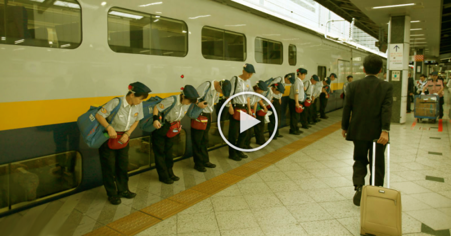 Így takarítják Japánban a gyorsvonatokat