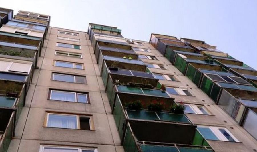 Tragédia: Egy kismama zuhant ki a negyedik emeletről