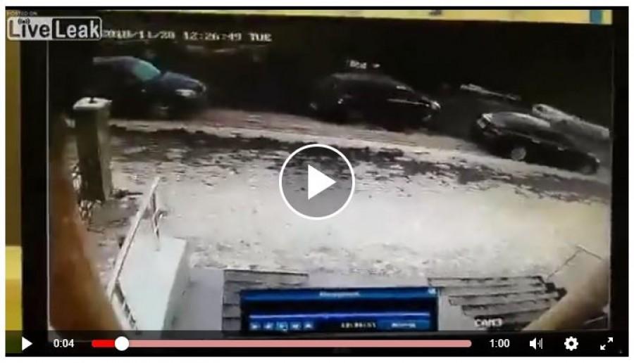 Brutális felvétel: Hatalmas jégdarab csapott agyon egy nőt (videó) 18+