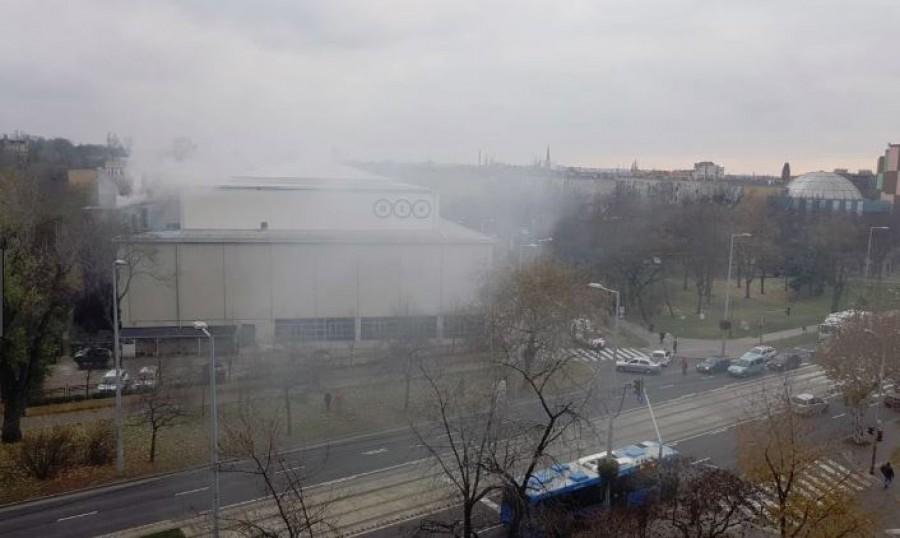 Kigyulladt az ATV épülete
