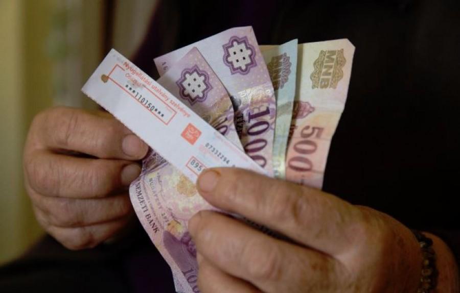Nyugdíjbomba robbanhat - nagy bajba kerülhetnek a nyugdíjasok a rossz döntés miatt