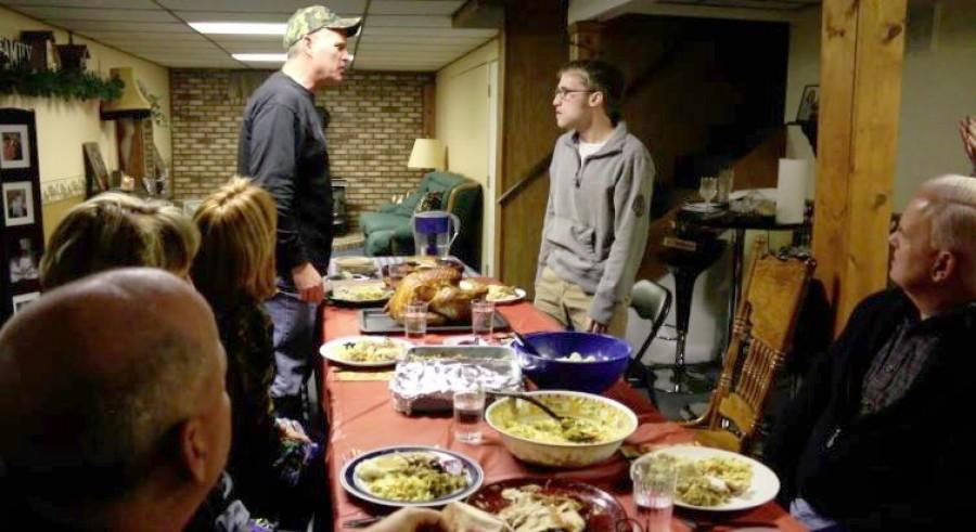 10 dolog, amiről soha ne beszélj a rokonaiddal