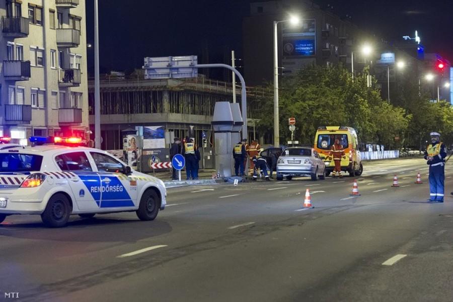 Három gyermeket ütött el egy budapesti autós az első kerületben.