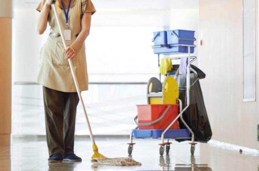 A gazdag nő ügyet sem vetett a takarítónőre, ám miután megtudja az igazságot, majd elsüllyed szégyenében