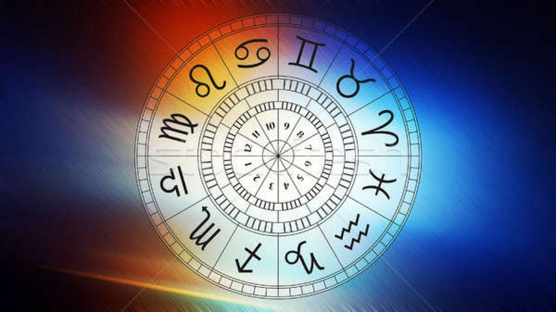 Itt van a világhírű asztrológus jóslata!