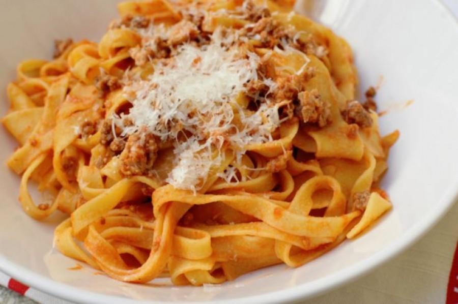 Az igazi bolognai ragu receptje - Tudtad, hogy nem spagettivel a legjobb?