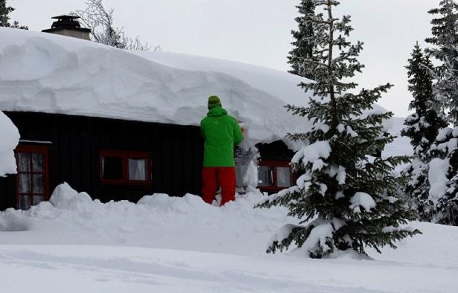Így lehet egy kötéllel havat takarítani (videó)
