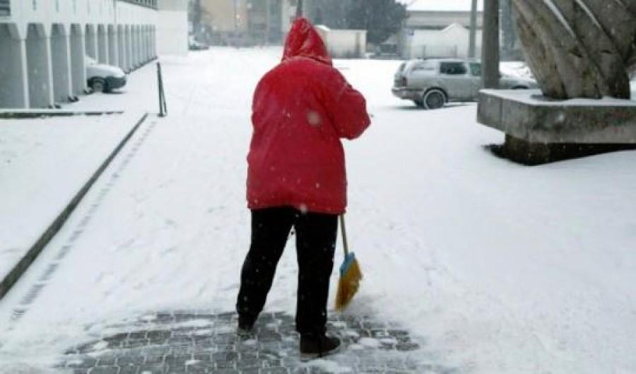Budapestre és öt megyére csaphat le az ónos eső
