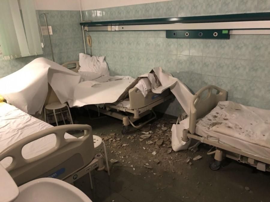 Fejükre szakadt a plafon a Bajcsy-Zsilinszky kórházban