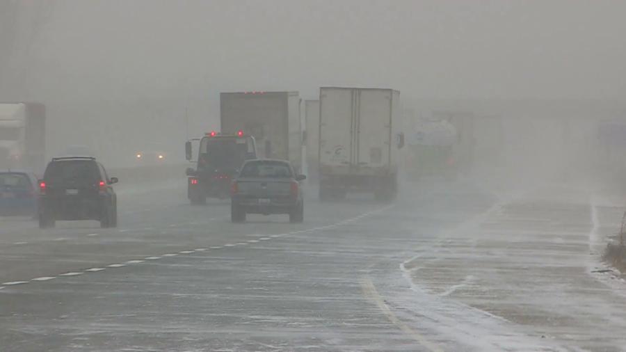 11 megyére adtak ki riasztást - Havazás, hófúvás jön, amihez 75 km/órás szél társul