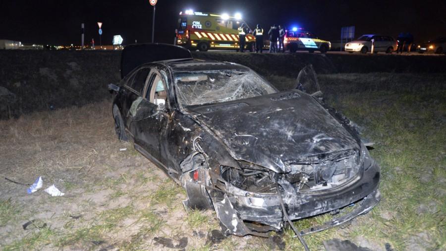 Megjöttek a képek az éjszakai halálos autóbalesetről