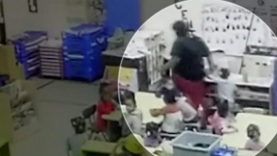 Az óvónő egyszerűen földhöz vágta a 3 éves gyereket (videó)
