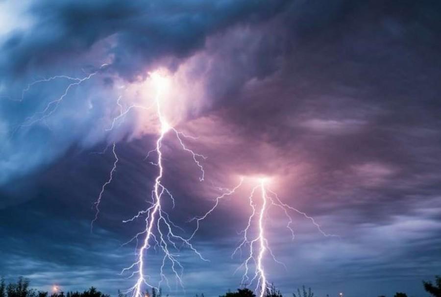 Kiadták a figyelmeztetést: villámlás, szélvihar, igazi égszakadás és fagy jön - lecsap a hidegfront az országra