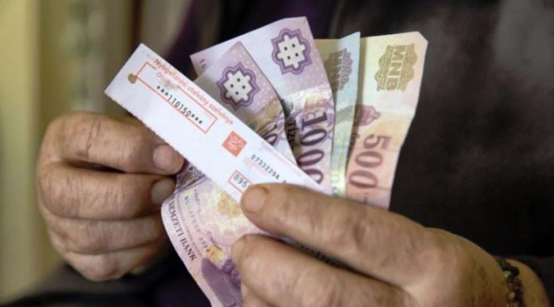 Özvegyi nyugdíj: hátat fordít a kormány?