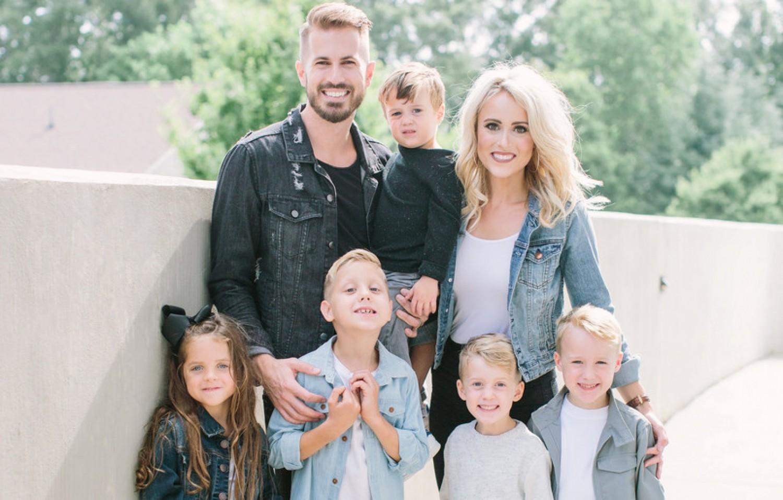 Egy szép családnak gondolnád első ránézésre - de nem az, aminek látszik