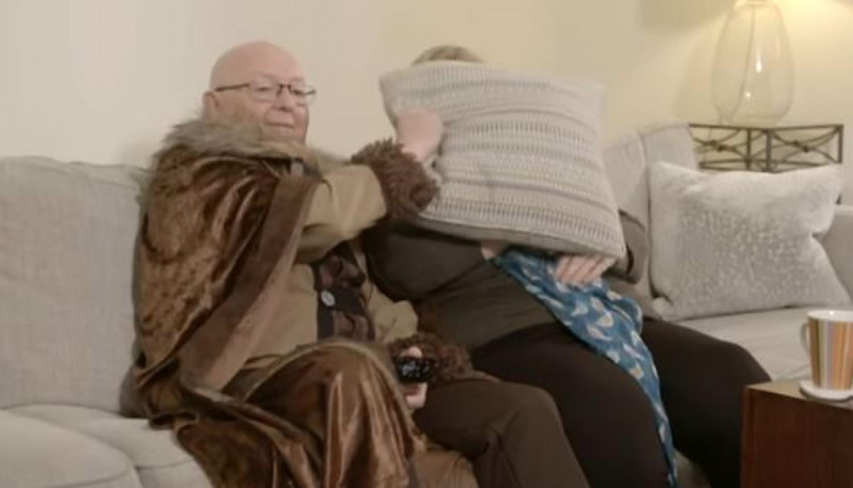 Hihetetlen reakciók - egy nyugdíjas házaspár életében először megnéz egy Trónok harca epizódot
