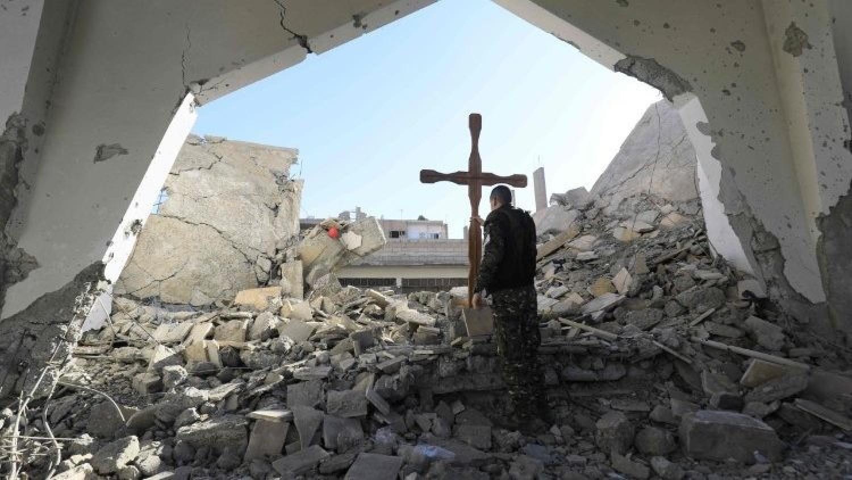 Két keresztény templomban robbantottak húsvét vasárnap, sok a halálos áldozat, rengetegen megsérültek
