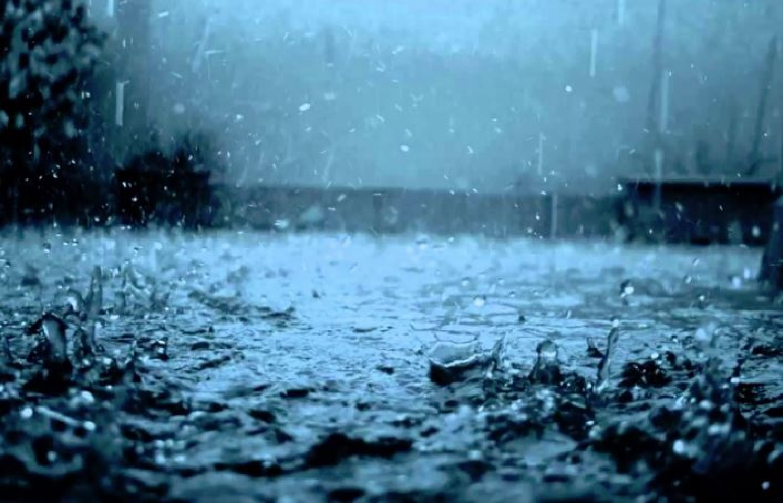 Hatalmas esőzés közelít - ekkor éri el az országot