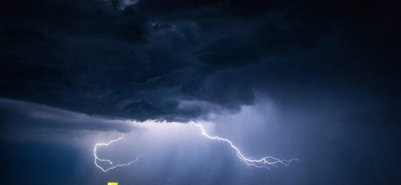 7 megyére adtak ki riasztást - viharos szél és hatalmas eső várható