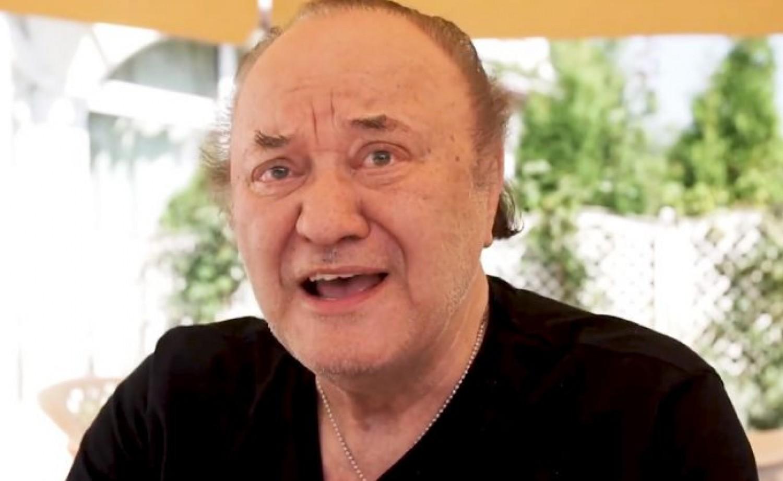 Siófoki koncertjük félidejében le kellett jönnie a színpadról Korda Györgynek