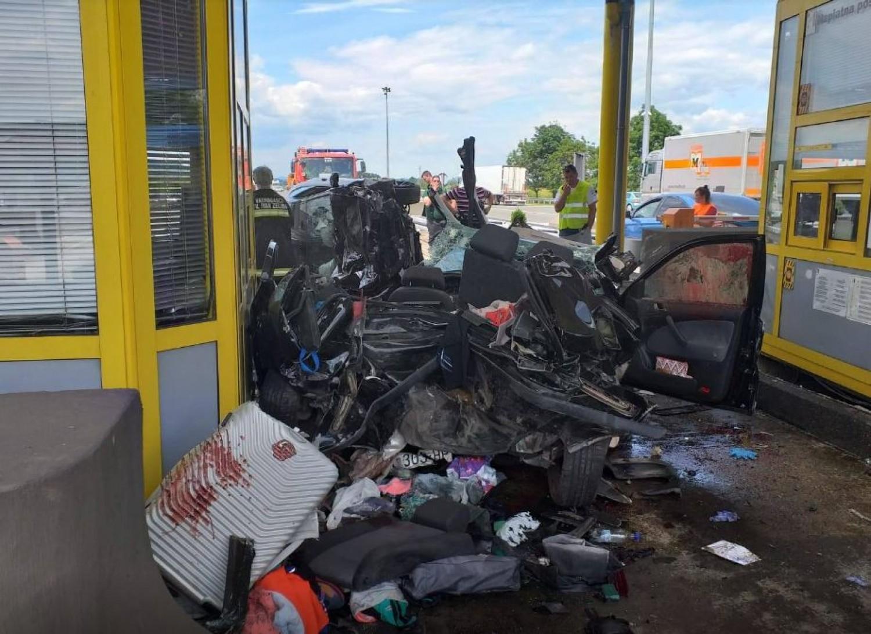 Súlyos baleset a horvát autópálya egyik fizetőkapujánál