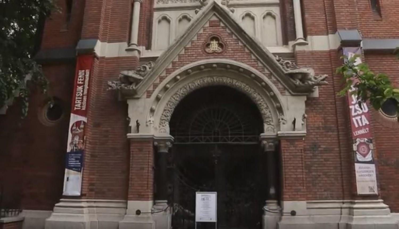 Persely helyett bankkártyával lehet adakozni a budapesti templomban