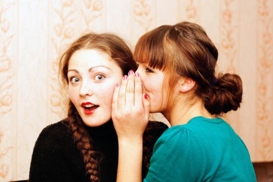 10 meglepő dolog, amit a nők rendszeresen csinálnak, és közben észre sem veszik