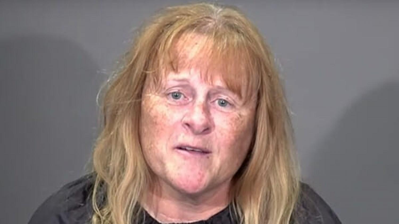 Nem fogod elhinni, milyen lett ez a nő, miután új frizurát csinált neki a fodrász