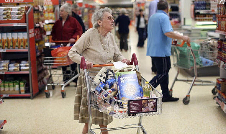 A nyugdíjasok 2,7 százalékot kaptak, de 3,4 százalékkal drágult az életük