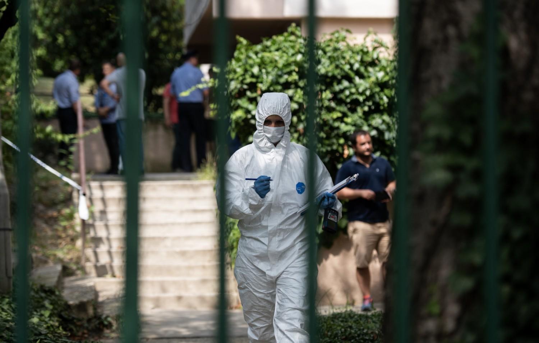 Három holttestet találtak egy rózsadombi lakásban