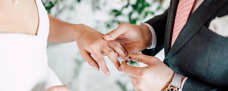 Percekkel az esküvőjük után szenvedett halálos balesetet az ifjú pár