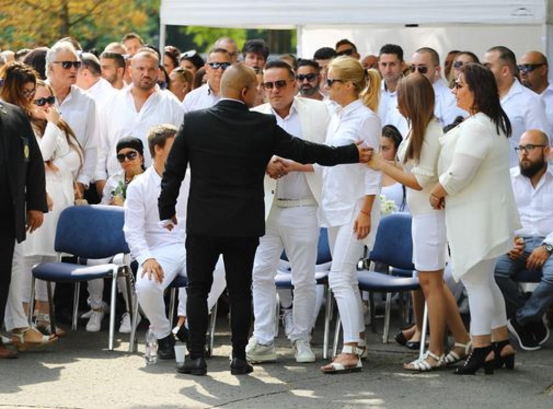 Összeomlott kisfia temetésén Csilla: így segítette őt L.L. Junior