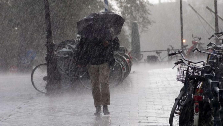 Nyakunkon a hidegfront: esővel, széllel támad
