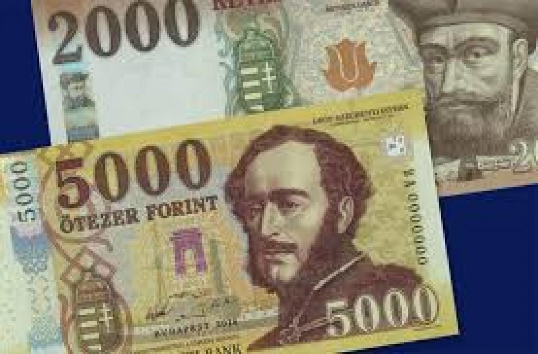Itt az újabb ajándék a nyugdíjasoknak - 8 ezer forint. Egymásra licitálnak az önkormányzatok.