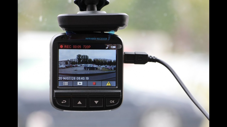 A fedélzeti kamera buktatta a le az autóst, aki hazudott a baleset körülményeiről (videó)