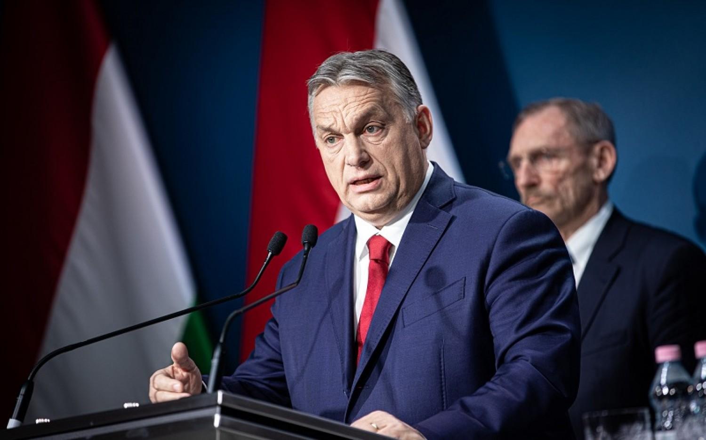 DÖNTÖTTEK: lezárják Magyarország határait