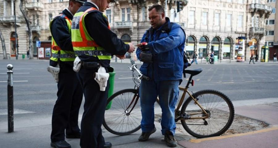 Figyelem: bicikliseknek kötelező! Több százezres bírságot kaphatsz!