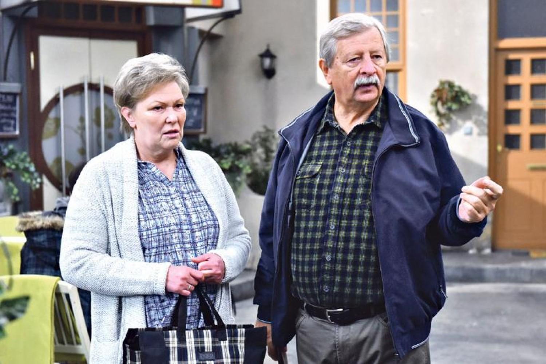Vili bácsit és Bözsi mamát kiírták a búcsúzik a Barátok köztből