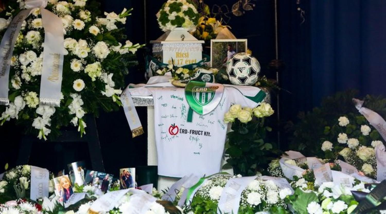 Ma temették el az ablakból kizuhant fiatal érdi focista fiút (videó)