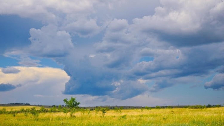 A meteorológiai szolgálat figyelmeztetése: zivatarral, viharos széllel, jéggel érkezik az hidegfront