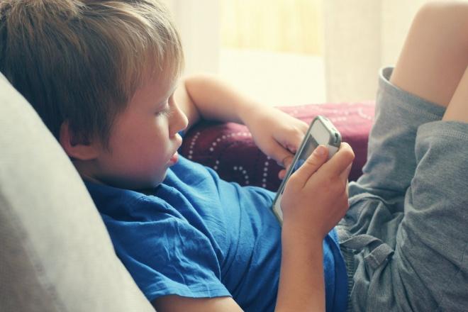 Miért nem szabad figyelmen kívül hagyni, ha a gyermek szemtelenül viselkedik?