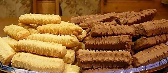 Nyomj egy lájkot, ha Te is emlékszel még a nagyi által annyira sokszor sütött darálós süteményre!