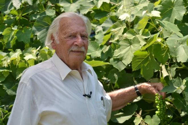Ugye hihetetlen? 97 éves lett Bálint gazda!